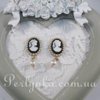 Камея з підвіскою (перлини)